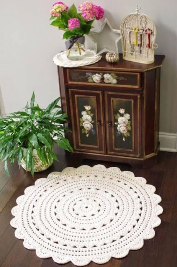 White round crochet rug