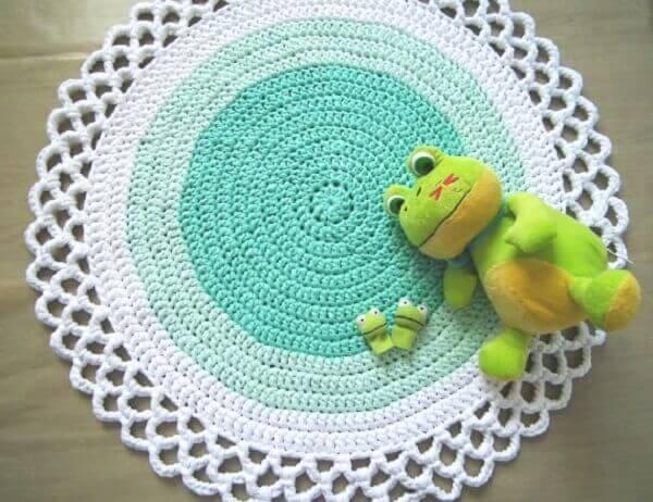 Water green white round crochet rug