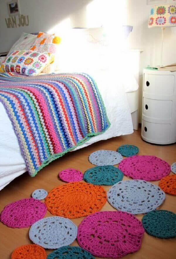 Round crochet rug in different colors for single room