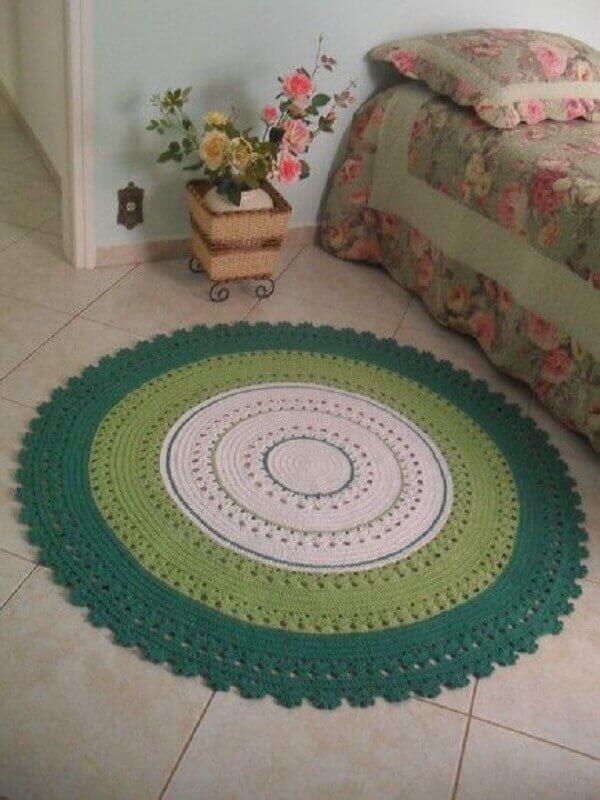 Round crochet rug in single room