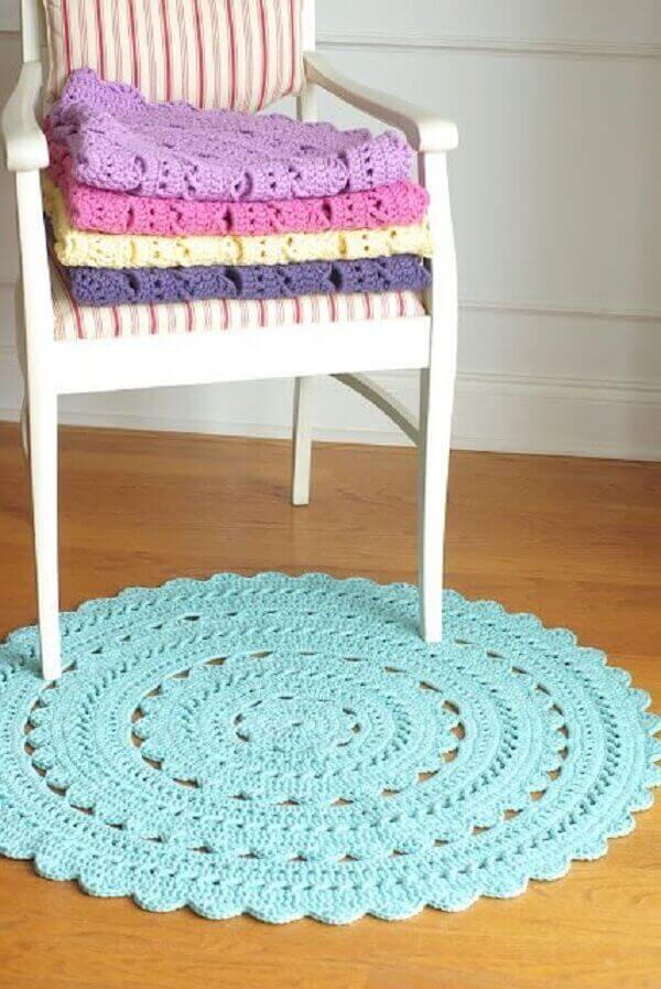 Round crochet rug in blue color