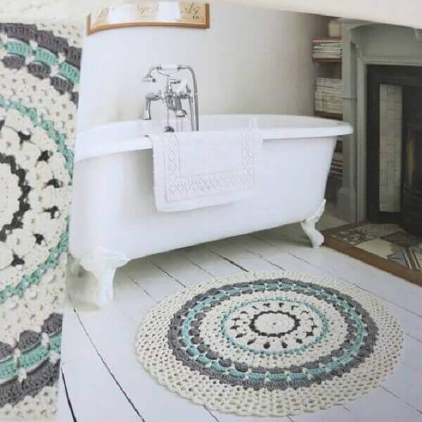 Round crochet rug for bathroom