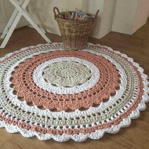 Round crochet rug for girl's room