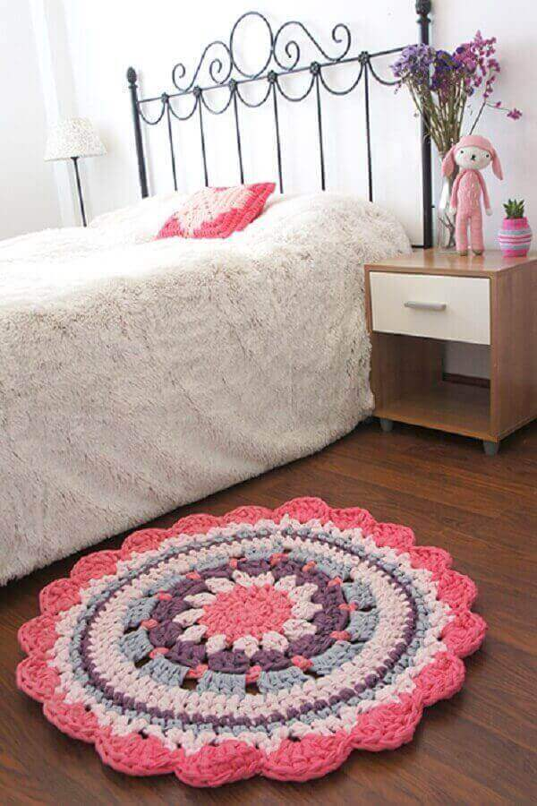 Round crochet rug for single room