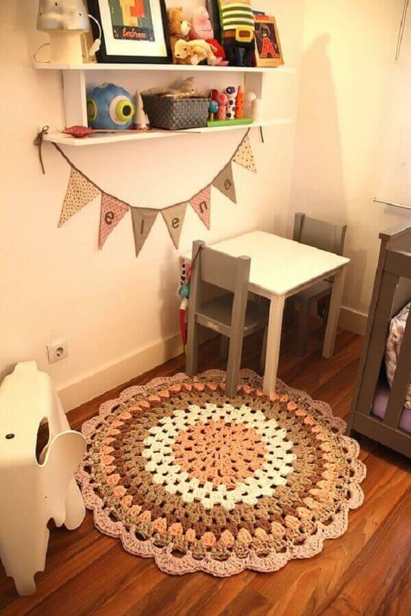 Round crochet rug for children's room