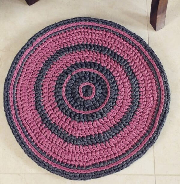 Decorate your home with a crochet rug