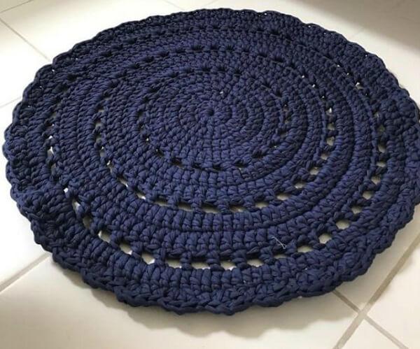 Crochet carpet in navy blue tone