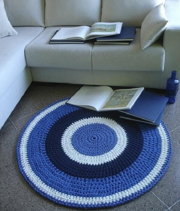 Crochet carpet in shades of blue and white for living room