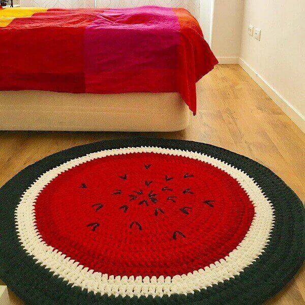 Tapete de crochê com design de melancia
