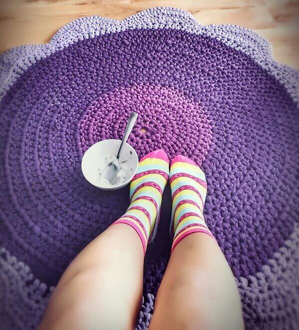 The crochet rug provides comfort to the feet
