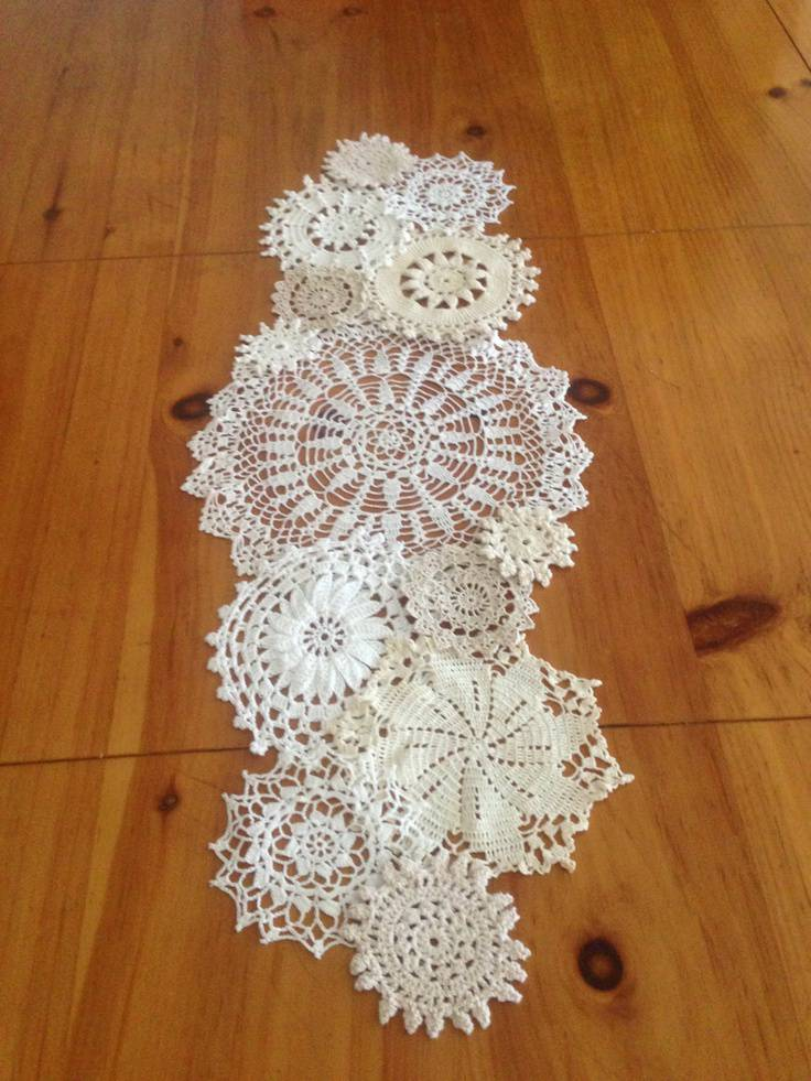 crochet table runner with different circles 2