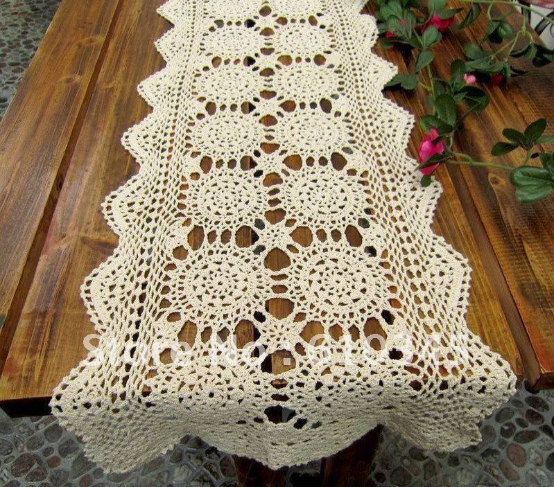 rentangulo crochet table runner