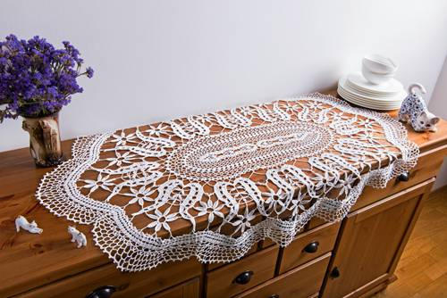 sideboard crochet table runner