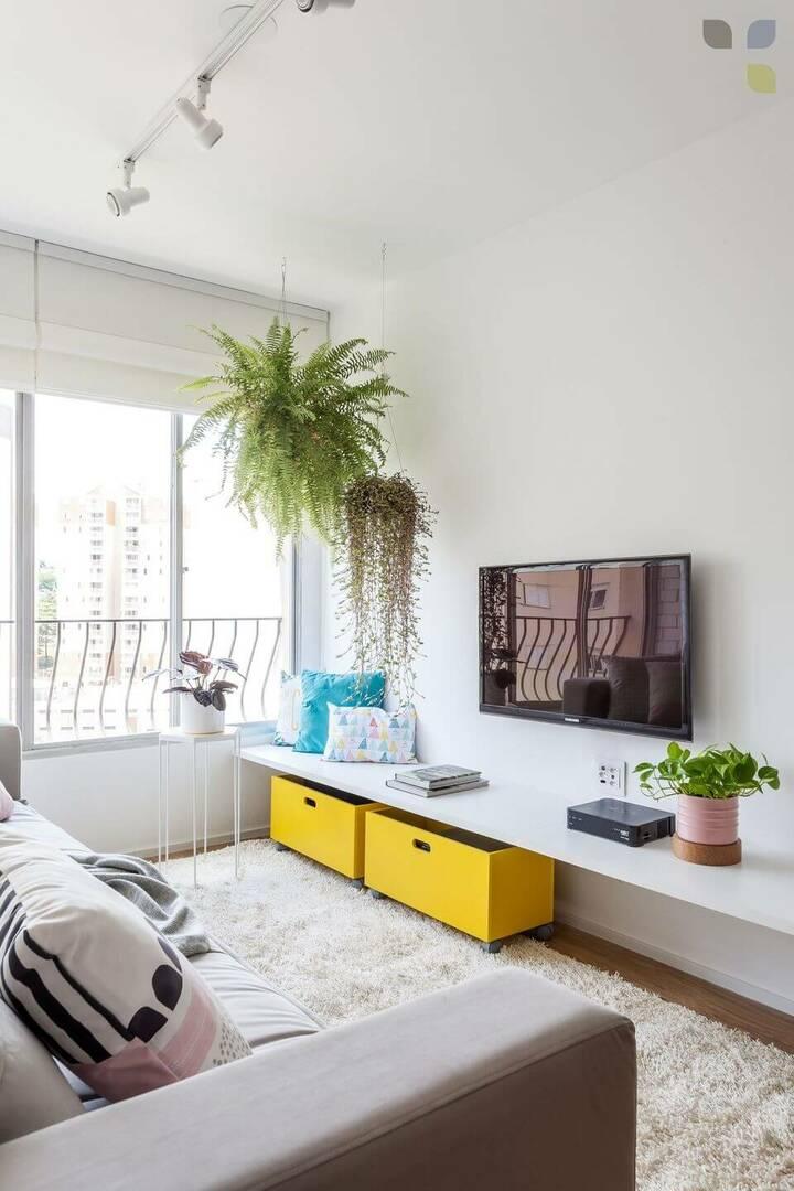 medusa rug - light room with terry rug