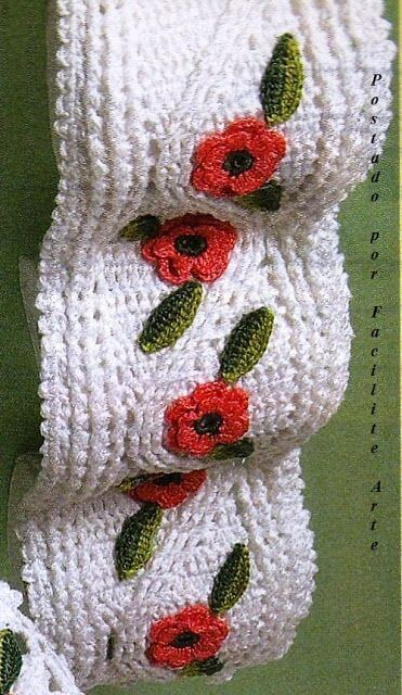 Simple crochet toilet paper holder
