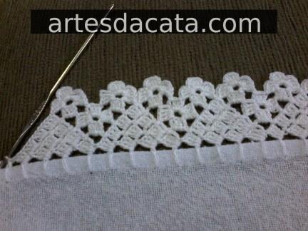 Crochet hook for dishcloth with triangles and florets Foto de Artes da Cata