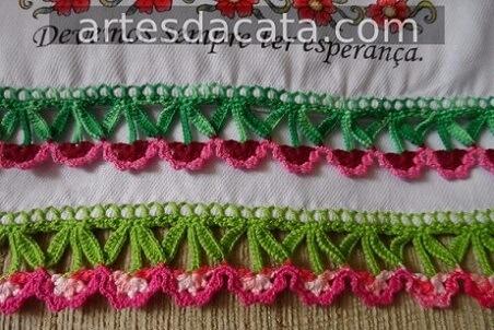 Crochet hook for dishcloth with florets Foto de Artes da Cata