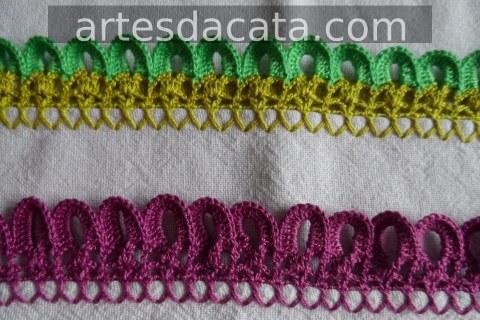 Crochet hook forming ringlets at the ends Foto de Artes da Cata