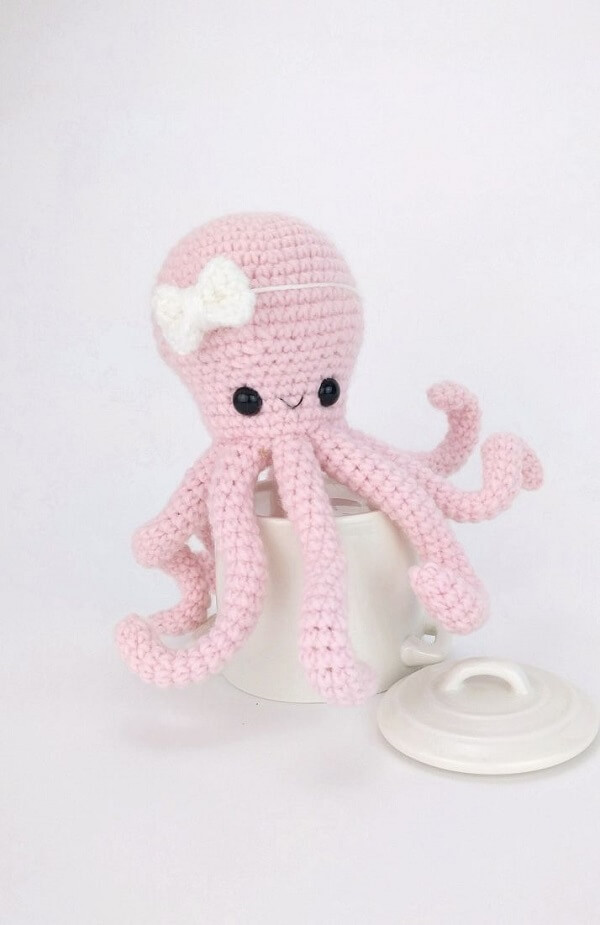 Baby pink crochet octopus model