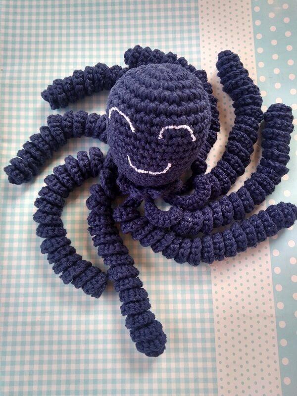 Crochet pattern octopus in purple tone