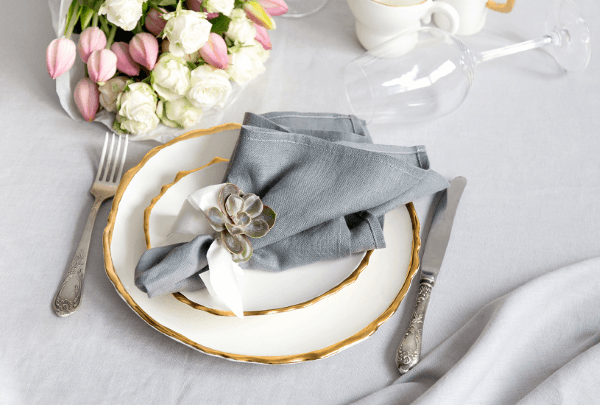 Simple and beautiful fabric napkin