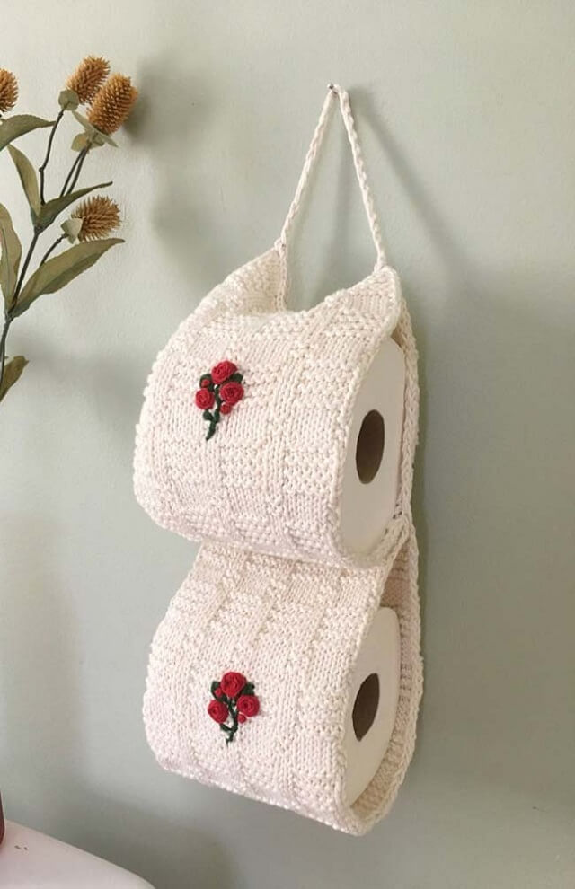 how to make crochet toilet paper holder with flower details
