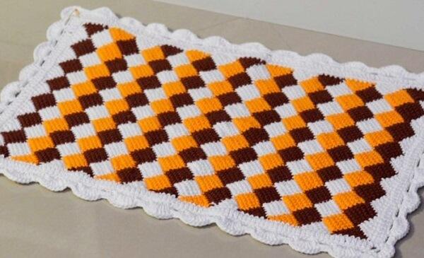 Baroque style rug made in Tunisian crochet
