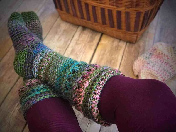 Create socks using the Tunisian crochet technique