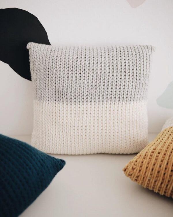 Tunisian crochet cushion model
