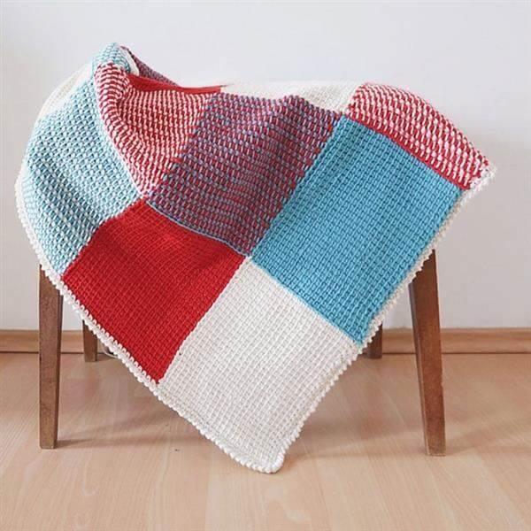 Blanket model made in Tunisian crochet