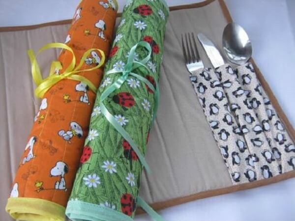 Cutlery placemats can be rolled up, taking up less space