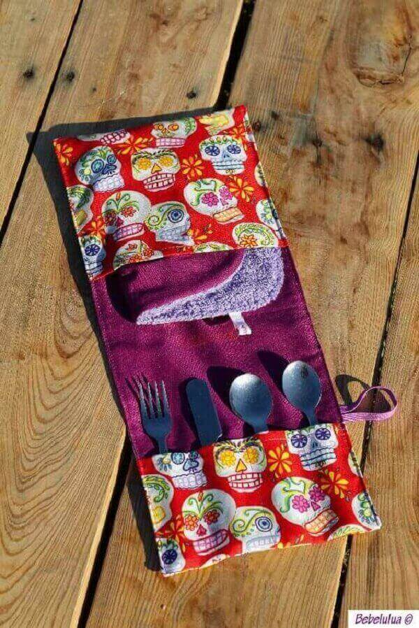 Stylish and practical fabric cutlery holder with skull