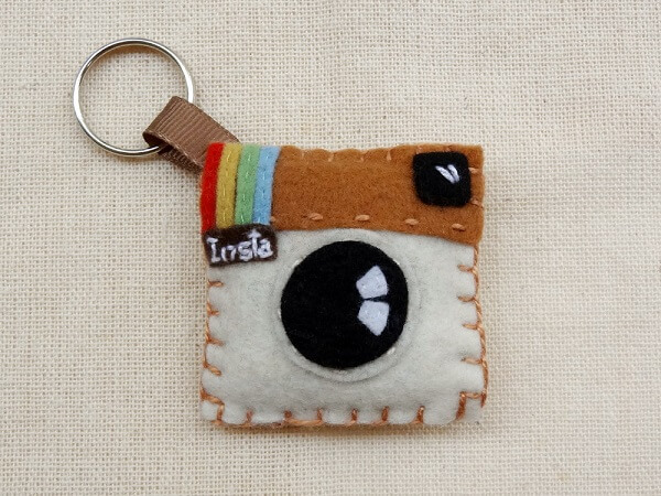 Instagram logo can become a beautiful felt keychain