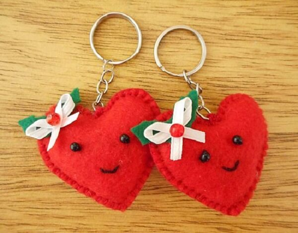 Add other decorative elements to your felt keychain