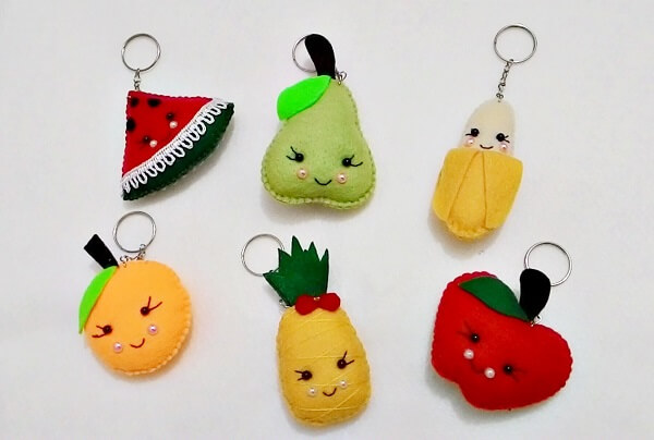 Fruits can form beautiful felt keyrings