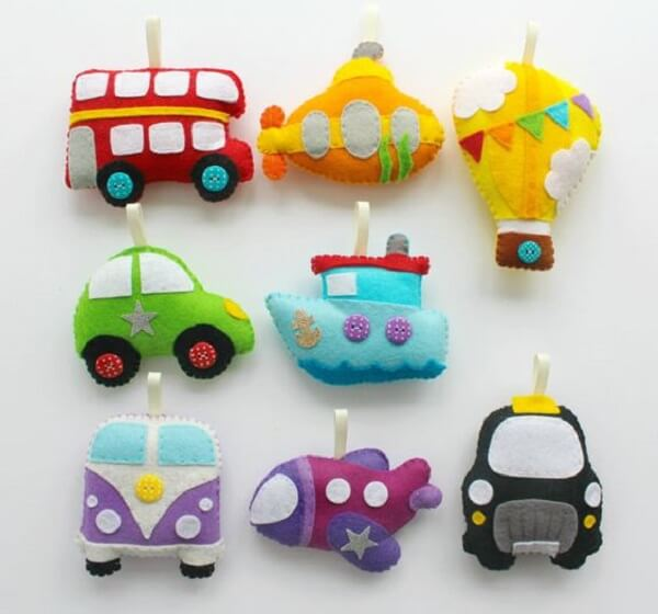 Car, plane, boat, balloon ... can form a beautiful felt keychain