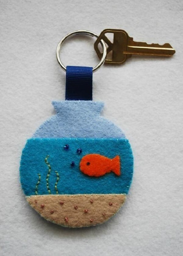 Felt Keychain in Aquarium Shape