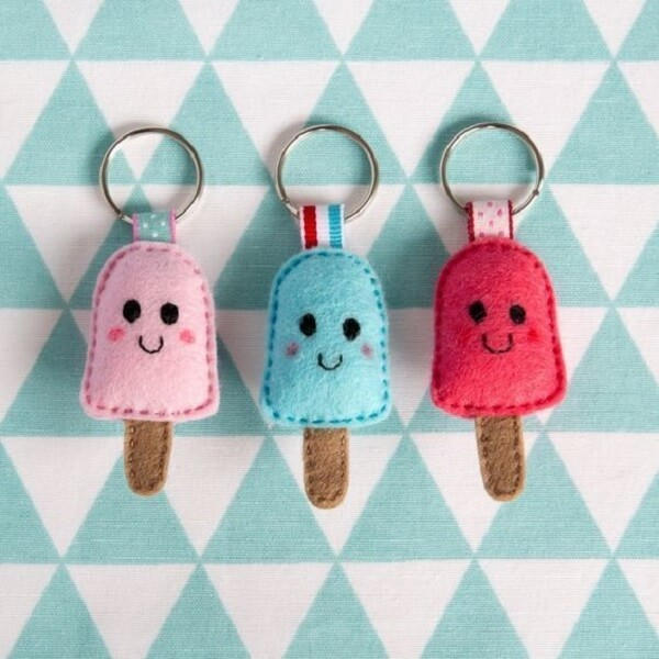 Mini popsicles form a beautiful felt keychain