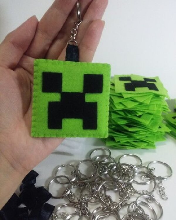 Felt keychain template for Minecraft theme party