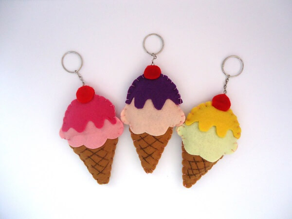 For thematic party of sweets invest in the manufacture of key chains of ice cream