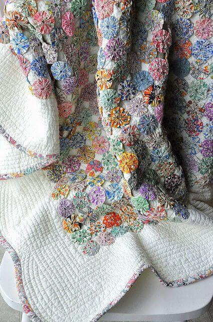 Fuxico bedspread