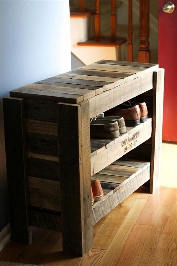 Pallet bench model with built-in shoe rack