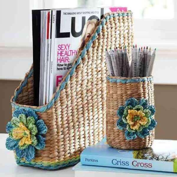 Handicrafts in general baskets for pencils and magazines