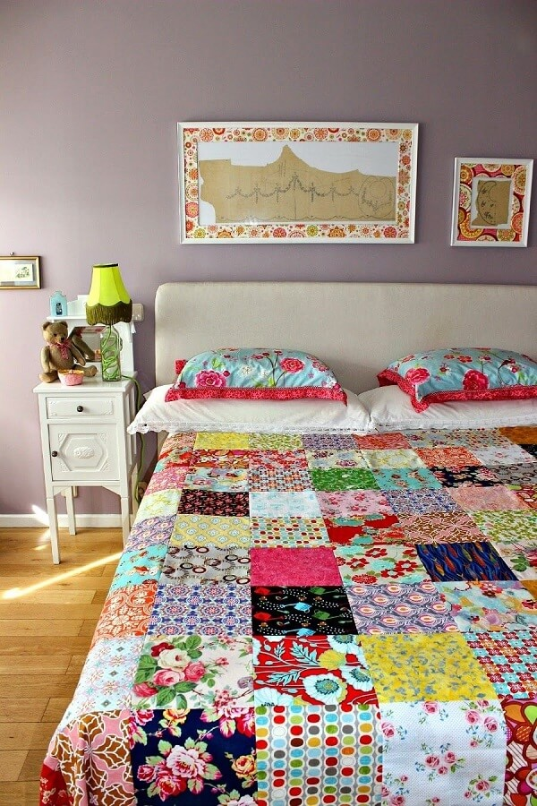 Patchwork quilt with frames