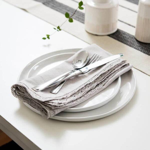 Organize sua mesa posta com o guardanapo de crochê