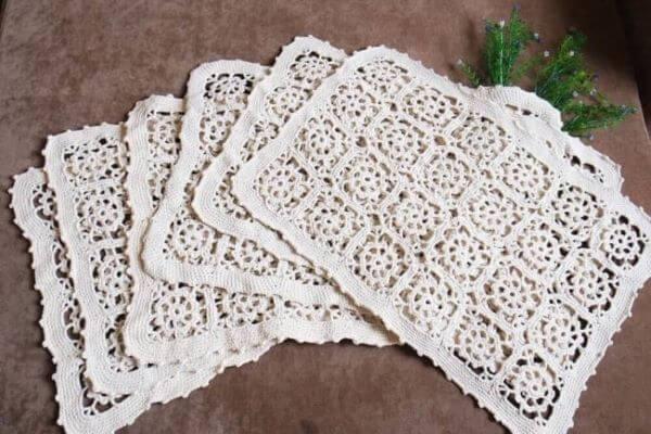 Guardanapo de crochê branco