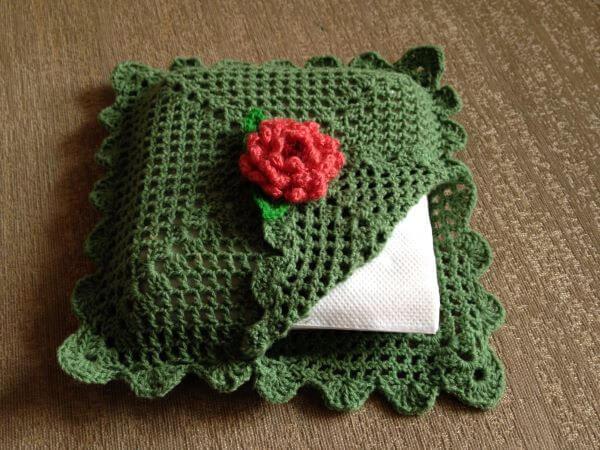 Guardanapo de crochê verde