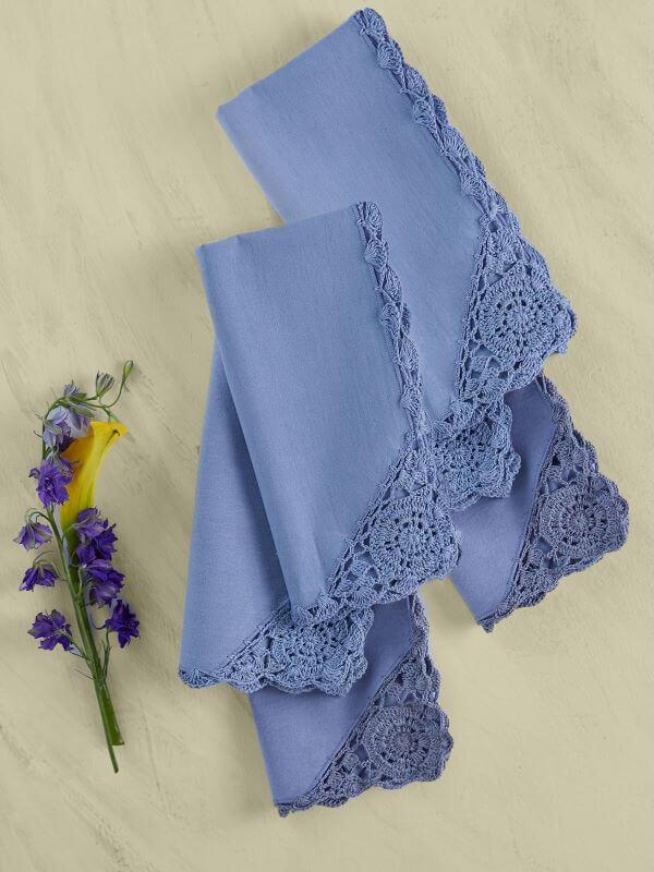 Bico de crochê azul para guardanapo