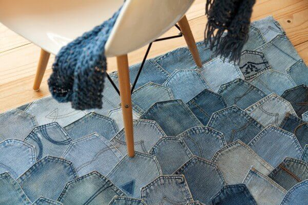 Patchwork rug made with denim fabric