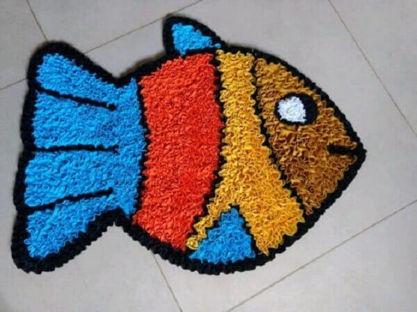 Patchwork rug model in fish shape